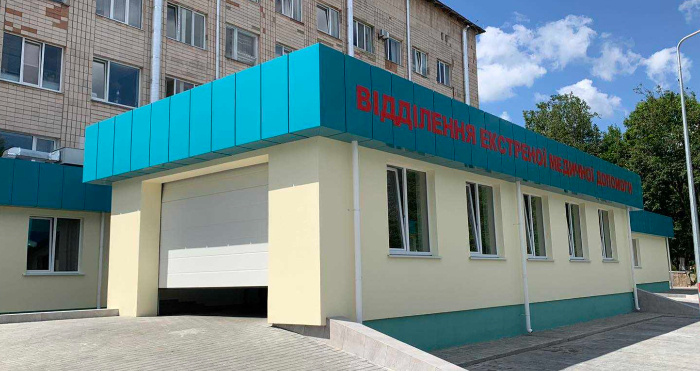 В Рівненській обласній лікарні відкрили оновлене приймальне відділення