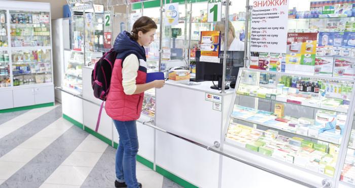 В українських аптеках не продаватимуть ліки дітям до 14 років