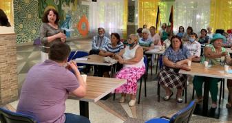 Учасникам клубу  «Інститут третього віку»  у Вараші організували бесіду з лікарями