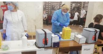 Протягом вихідних у Рівному щепили проти коронавірусу 1,5 тисячі людей