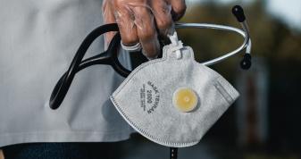 На Рівненщині — 65 нових випадків коронавірусу, помер 32-річний чоловік