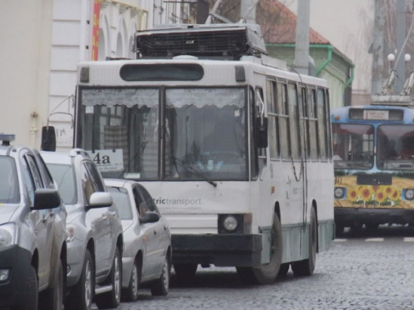 Громадський транспорт і дитсадки у Луцьку поки не запрацюють