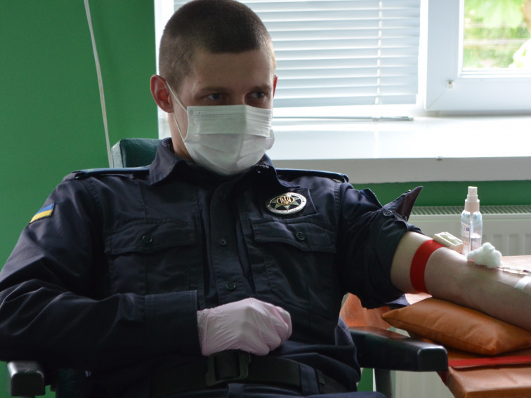 У Луцьку працівники Служби судової охорони здали кров для дітей