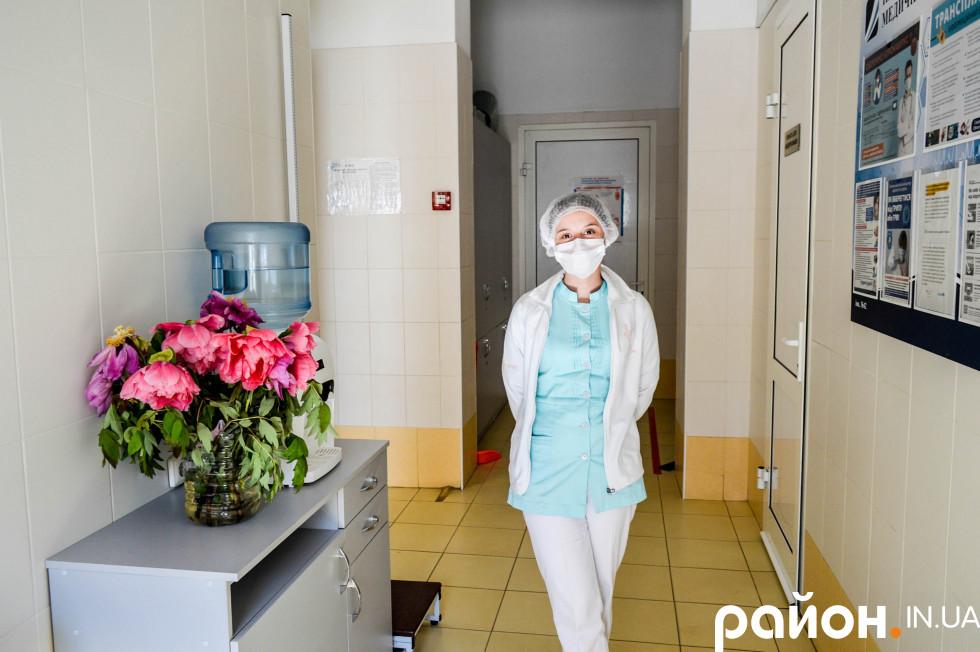 Медсестра-дюймовочка